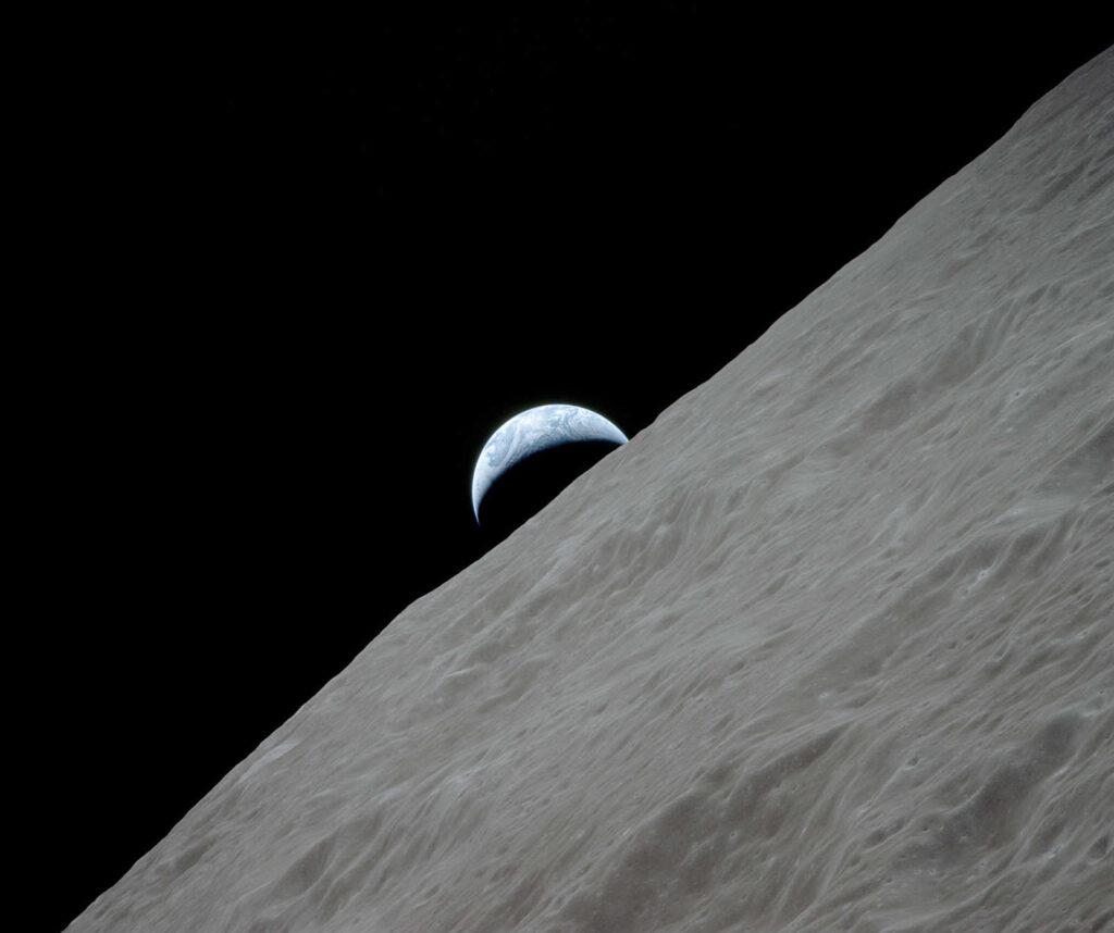 Ziemia nad księżycowym horyzontem - Apollo 17
